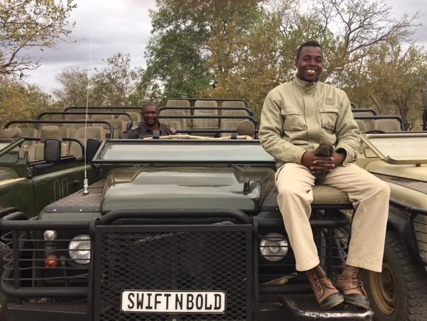 Garonga safari camp, guide, tracker, Derrick, Bongi